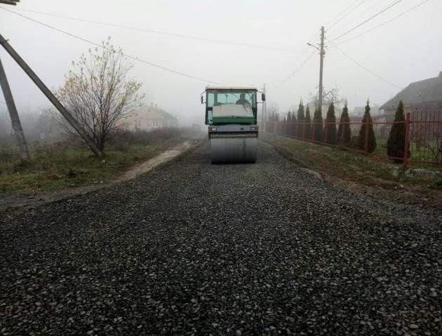 У громаді під Луцьком почали ремонтувати дорогу. ФОТО