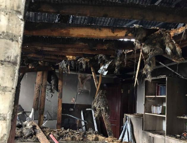 Як обгорів сервісний центр МВС у Луцьку. ФОТО
