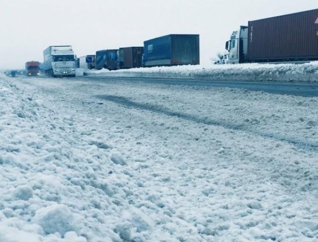 Через негоду на автошляху Київ-Ковель-Ягодин – ускладнений рух