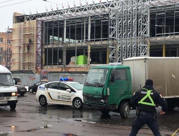Через аварію на Рівненській ускладнений рух