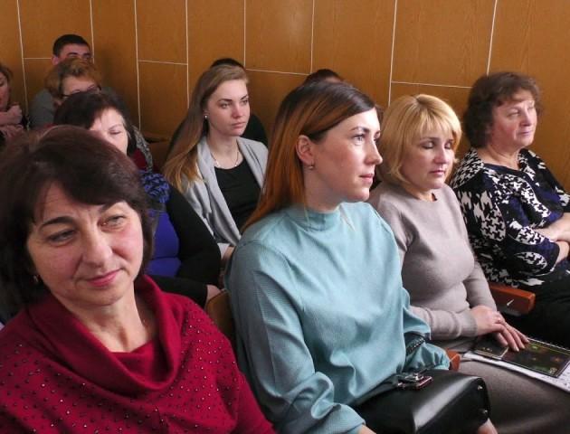 На Ратнівщині обговорили актуальні проблеми району. ВІДЕО