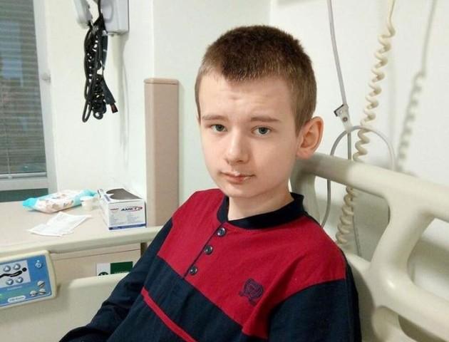 Операцію призначили, а всієї суми ще нема: 13-річному волинянину терміново збирають кошти