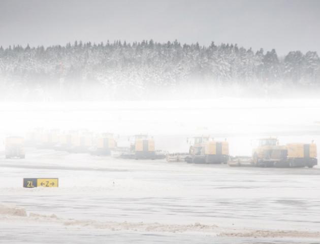 Понад 1500 авіарейсів скасовано через снігопади у США