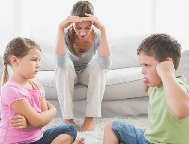 Що загрожує дітям, яких у дитинстві цькували брати і сестри – дослідження