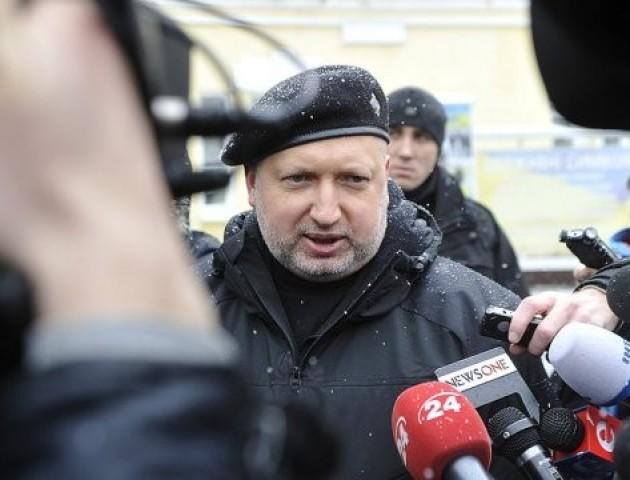 Закон про реінтеграцію Донбасу не виключає силового шляху звільнення територій, – Турчинов