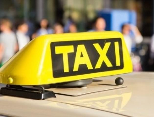 Таксі у Луцьку: телефони і ціни