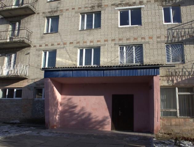 У Нововолинську дівчина випала з балкону гуртожитку училища