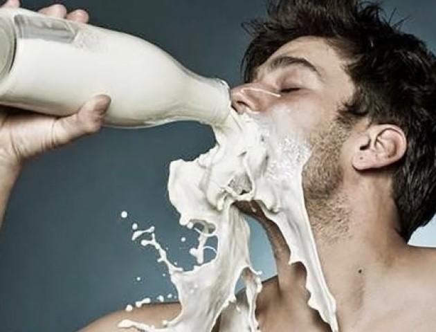 Плюси та мінуси молока: 7 найпоширеніших запитань