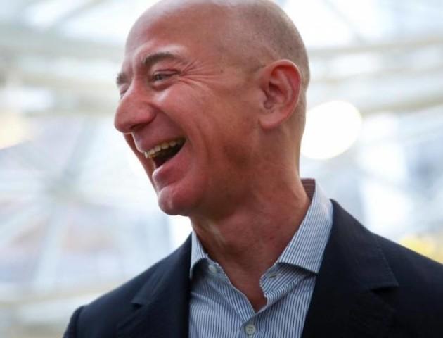 Голова Amazon розбагатів на $1 мільярд за день