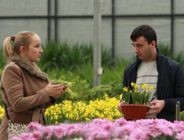 Передсвятковий бум: що збираються дарувати українці на 8 березня