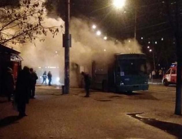 В Одесі вибухнув тролейбус із пасажирами. ВІДЕО