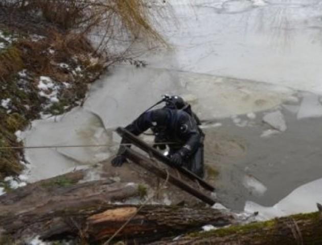 У Луцьку рятувальники знайшли тіло хлопчика, який зник під кригою