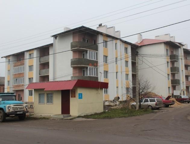 Здачу багатоквартирного будинку для військових у Володимирі вкотре відтерміновують