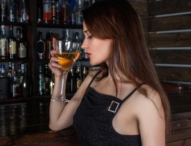 Як вживання вина впливає на зуби і ясна: висновок вчених