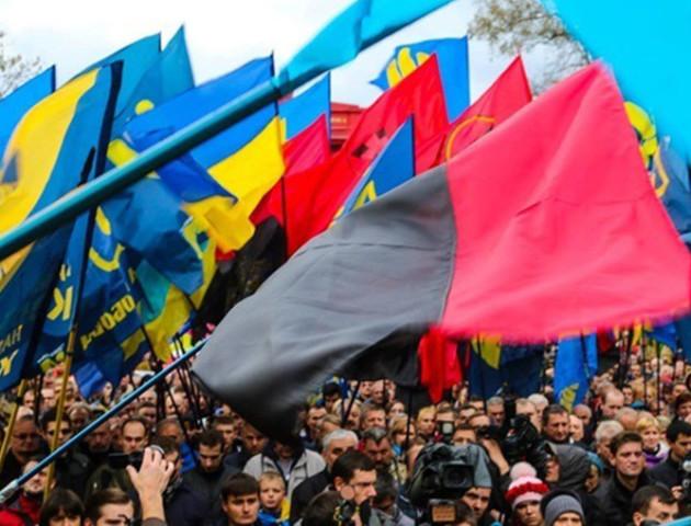 Володимир-Волинська районна рада ухвалила рішення піднімати червоно-чорний прапор