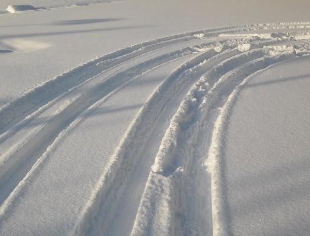 Рекорди непрохідності: на Волині селяни через нечищені дороги опинилися у сніговій пастці