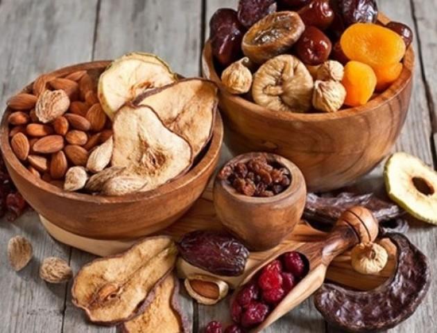 Як правильно їсти солодощі при дієті: 3 корисні правила