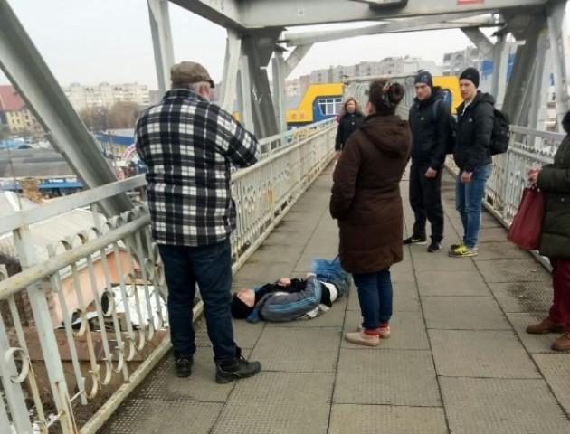 У Луцьку чоловік хотів накласти на себе руки, стрибнувши з мосту. ФОТО