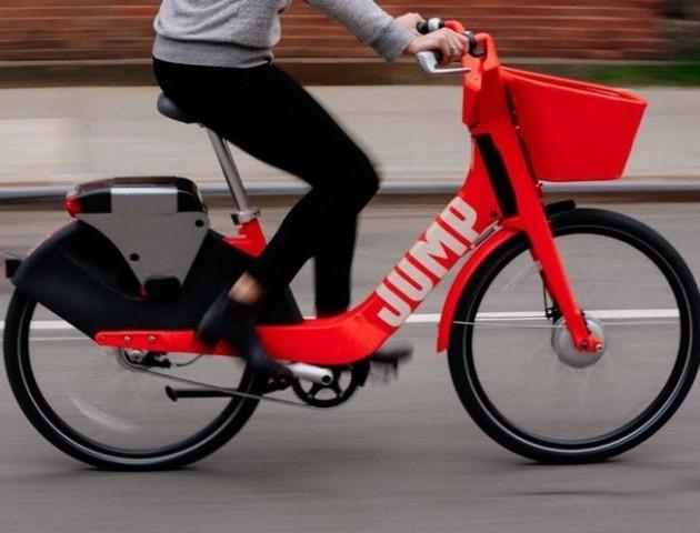 Uber пропонує пасажирам пересісти на велосипеди