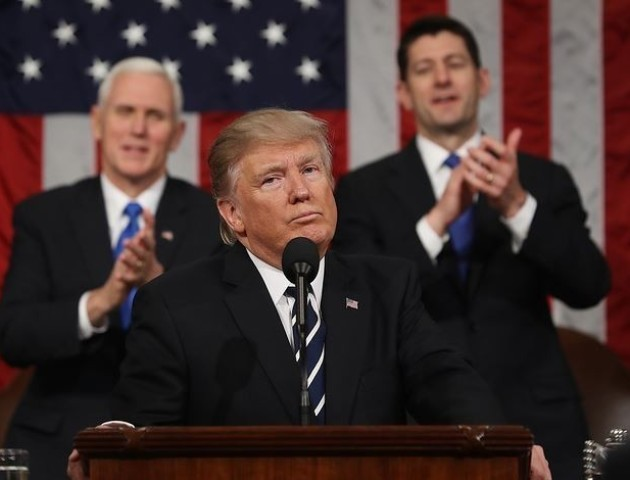 Демпартія США подала до суду на РФ, помічників Трампа та Wikileaks