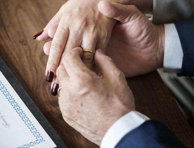 Вчені назвали найщасливіший період в шлюбі