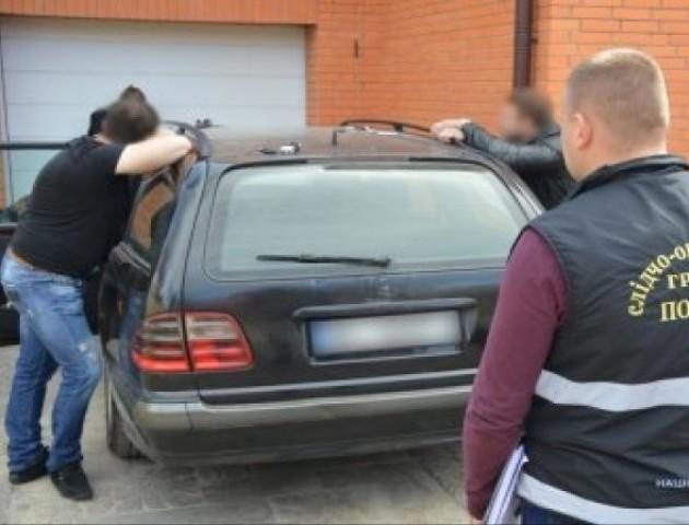 Помічника депутата Волиньради підозрюють у викраденні людини в Луцьку
