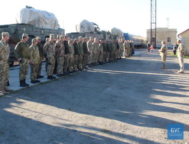 У Володимирі зустріли перший ешелон з військовослужбовцями зенітно-ракетного полку