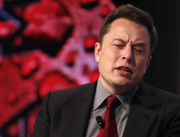 Маск взяв виробництво Tesla під особистий контроль
