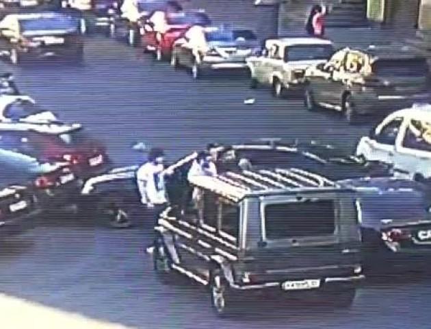 Нападників було п'ятеро: з'явилося відео побиття Мустафи Найема