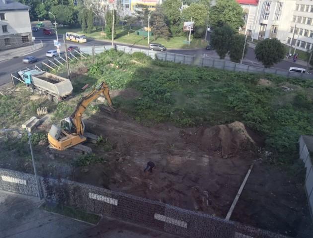 Торговий центр чи багатоповерхівка: у Луцьку біля ЖК «Яровиця» почали будівництво. ФОТО