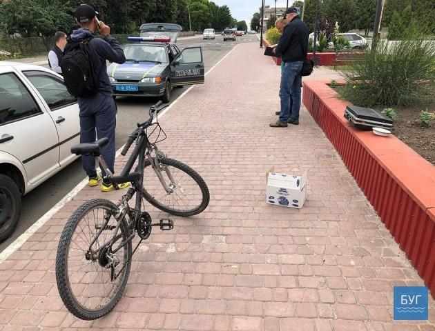 У центрі Нововолинська затримали чоловіка з ящиком маку. ФОТО