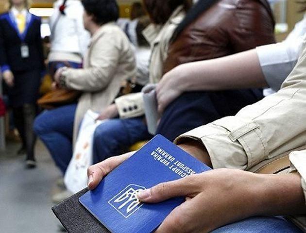 Пенсія кожному третьому: що чекає українських заробітчан