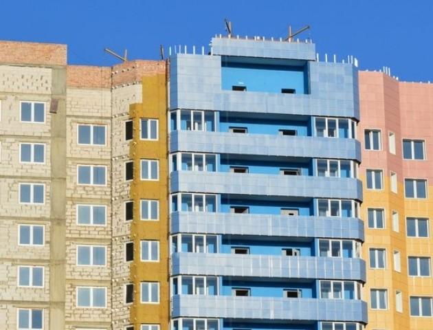 Менше поверхів і парковок: коли наберуть чинності нові будівельні норми