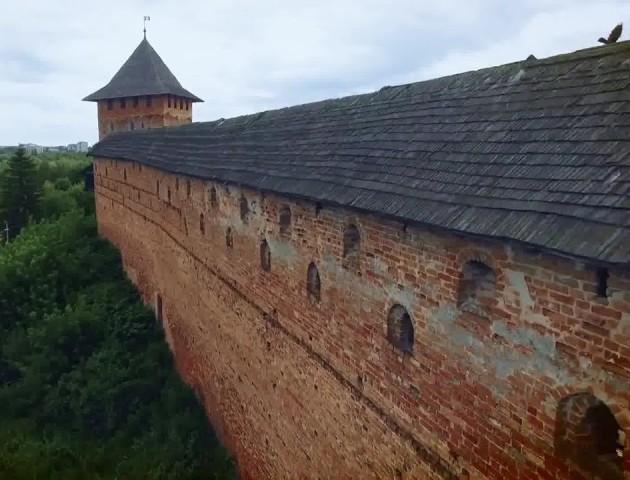 Краса Луцького замку з висоти пташиного польоту. ВІДЕО