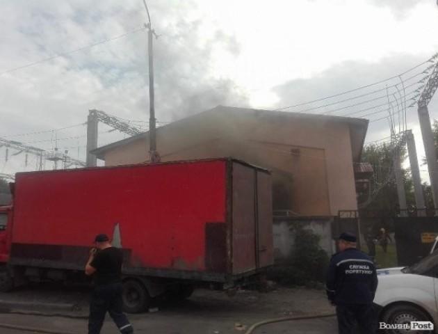 На всіх вулицях Луцька після пожежі на підстанції відновили електропостачання