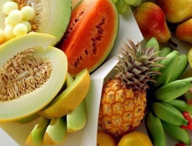 Вчені назвали фрукт, який захищає шкіру