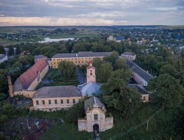 Неймовірні світлини Олицького замку з висоти пташиного польоту