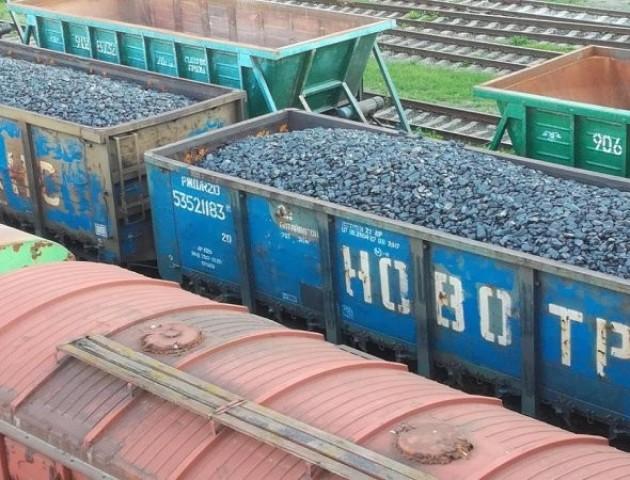 На залізниці у Луцьку стоять російські вагони з вугіллям. ФОТО