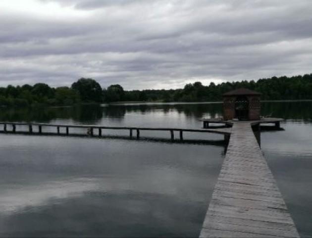 На Волині через OLX продають озеро