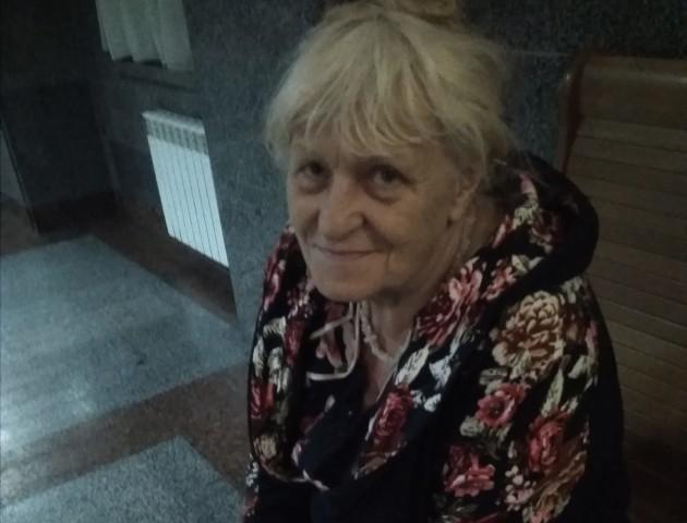 У Луцьку на вокзалі залишили бабусю