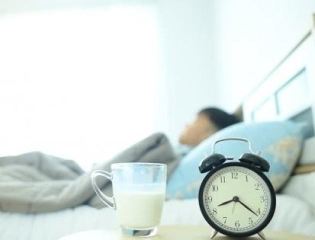 Як вчасно лягти спати: корисні лайфхаки