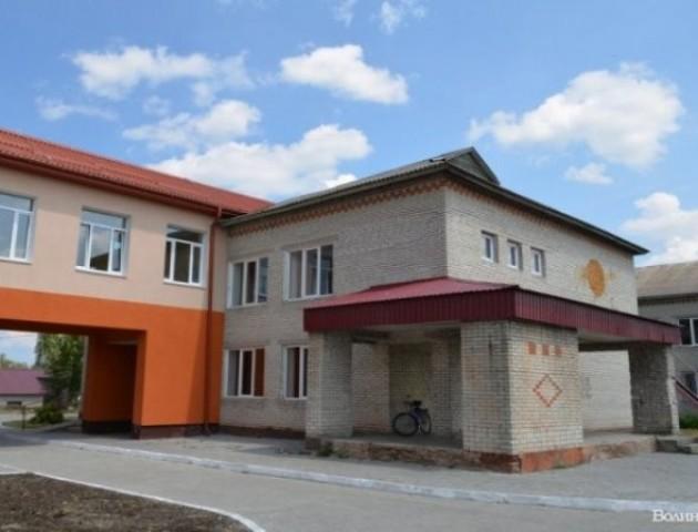У волинському селі «розширюють» школу. ФОТО