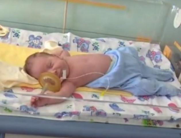 Луцькі лікарі врятували 7-місячну дитину. ВІДЕО