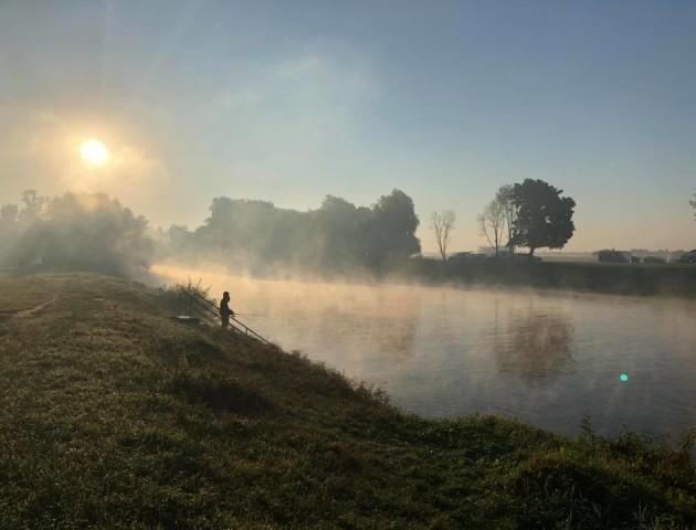 Неймовірної краси ранок у луцькому парку. ФОТО