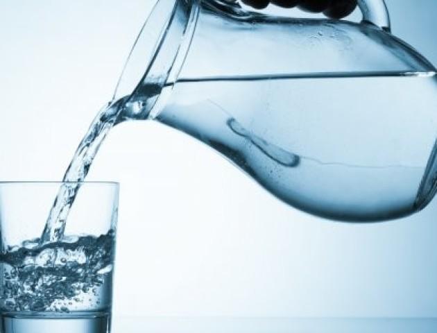 Лікарі не рекомендують пити фільтровану воду