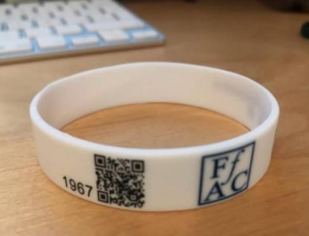 На Волині планують створити браслети, які міститимуть інформацію про хвороби людей