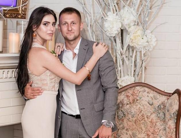 Син депутата Луцькради одружився: з'явилися фото