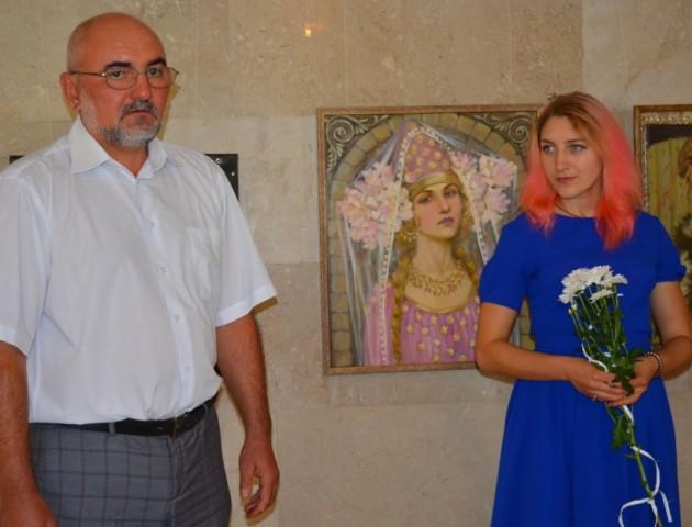В облраді відкрилася виставка картин Іванни Дацюк