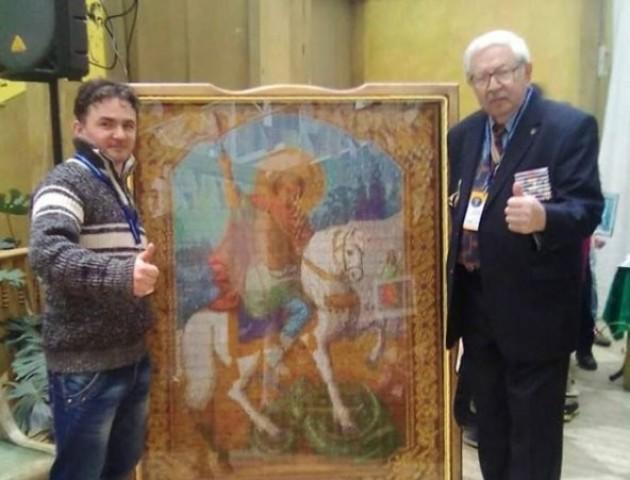 Волинянин створив найбільшу в Україні ікону з сірників. ФОТО